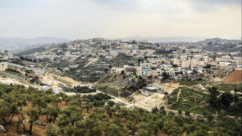 الحي الاستيطاني يعزل ٣٠ ألف مقدسي في جبل المكبر. الامارات اليوم