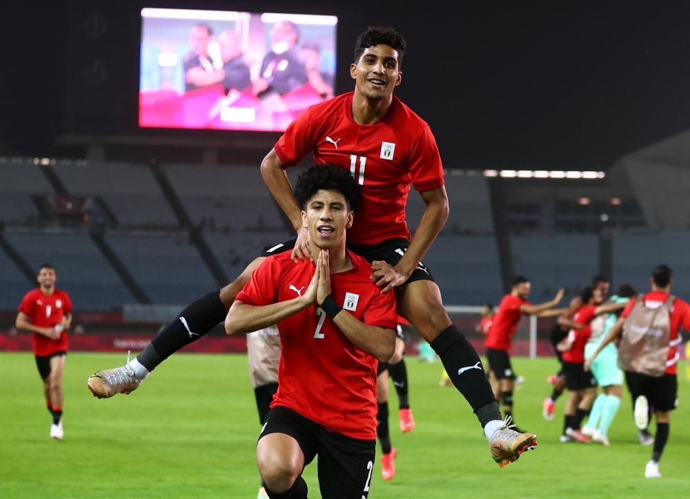 صورة مصر تنتصر.. وتواجه منتخب عملاق في ربع نهائي أولمبياد طوكيو (صور) – رياضة – عربية ودولية