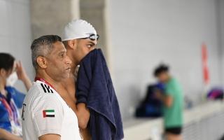 مدرب منتخب الإمارات للسباحة يشكر أحمد بن راشد على مبادرة دعم المطروشي