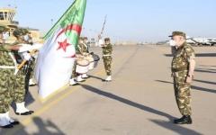 الصورة: رئيس الأركان الجزائري: السياق الدولي الحالي «لا يرحم الضعفاء»