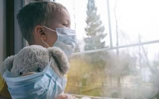 الصورة: مليون ونصف طفل في العالم فقدوا ذويهم خلال عام واحد بسبب «كورونا»