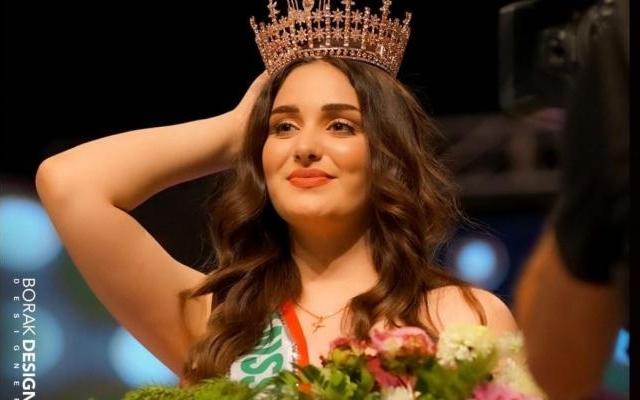 الصورة: نازحة تفوز بلقب ملكة جمال العراق .. فيديو