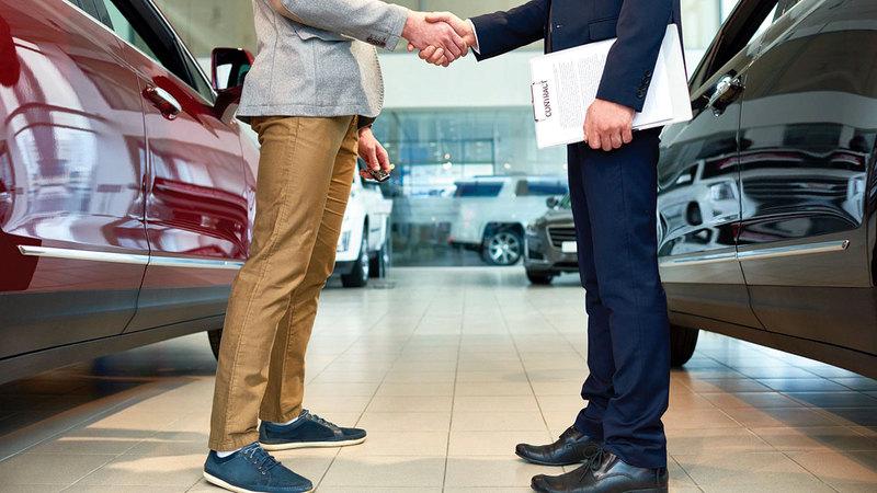 عروض موسم الصيف ستدعم نمو المبيعات في قطاع السيارات.   غيتي