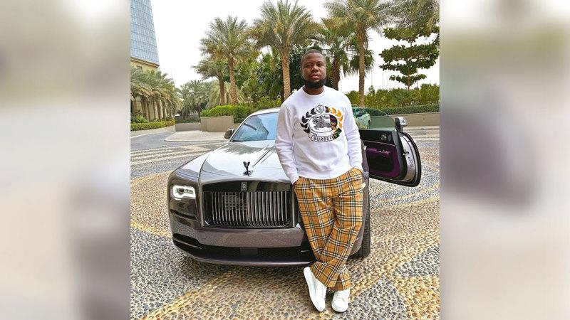 «هاشبوبي» اعتاد وضع صوره على حسابه في «إنستغرام» وبجواره سيارات فارهة.   من المصدر