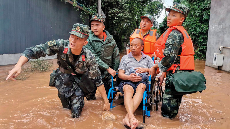خبراء الأرصاد يحذرون من احتمال حدوث أعاصير وفيضانات مستقبلاً.  أرشيفية