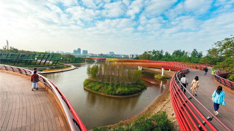 إدارة الموارد المائية والسيطرة على الفيضانات من القضايا السياسية للغاية في الصين.    من المصدر