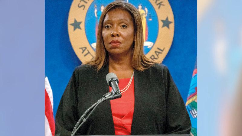 المدعي العام بنيويورك ليتيتيا جيمس تقدم نتائج تحقيقات مستقلة في الادعاءات بشأن كومو.  غيتي