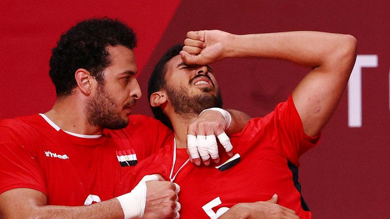 نجوم مصر حزينون على ضياع فرصة ضمان ميدالية لكرة اليد في أولمبياد طوكيو.  رويترز