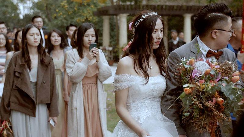 الأفراح الجماعية طريقة الحكومات المحلية الصينية لخفض الكلفة وتشجيع الشباب على الزواج.   رويترز