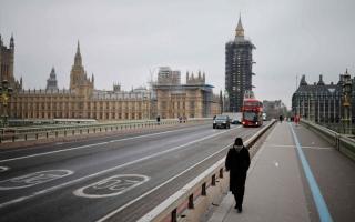 الصورة: الاقتصاد البريطاني ينتعش مع تخفيف الإغلاق في الربع الثاني