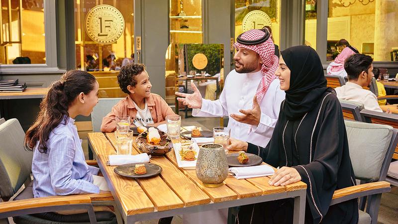 مفاجآت صيف دبي تقدم عروضاً مميزة لمحبي الطعام.  من المصدر