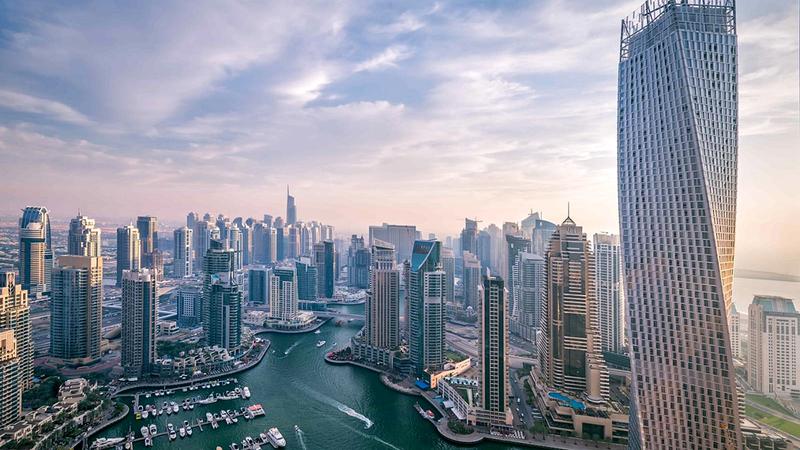 دبي توفر المقومات لدعم كل القطاعات الاقتصادية ومنها العقارات.  من المصدر