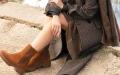 الصورة: الأحذية تتألق بألوان مبهجة في الخريف