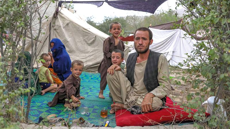 اللاجئون الأفغان يواجهون مصيراً أشد قسوة.    إي.بي.إيه