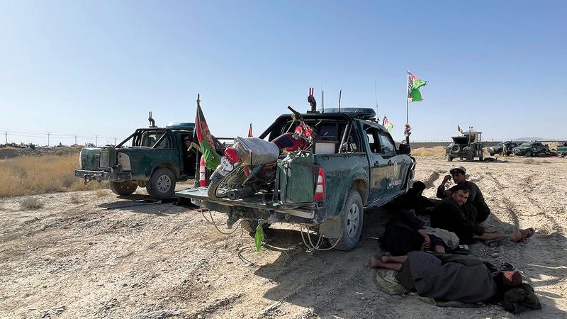 الجيش الأفغاني لم يكن يجيد استعمال المعدات العسكرية الأميركية الحديثة.   أ.ب