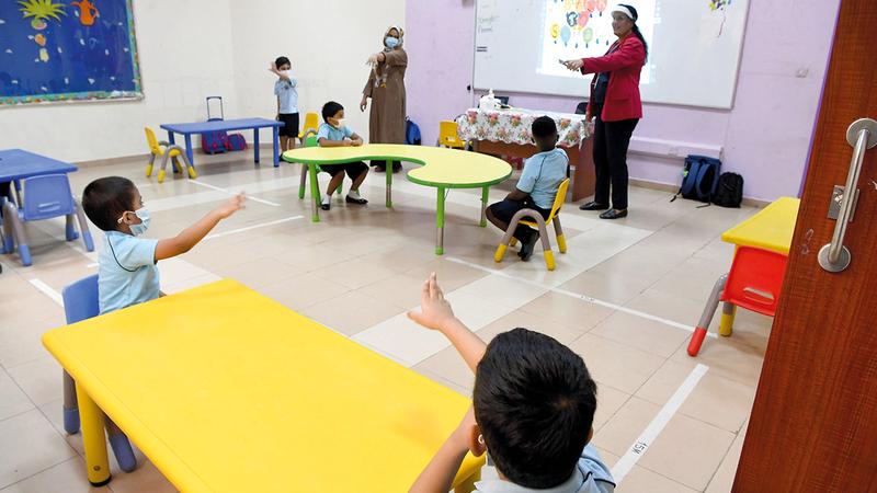 يتوجب على العاملين في المدارس والطلبة بعُمر 16 عاماً التطعيم لدخول المدارس.   تصوير: إريك أرازاس
