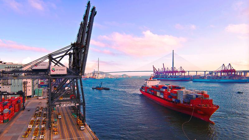 «موانئ دبي العالمية» تهدف إلى تذليل العقبات وتحسين الاتصال في الممرات التجارية سريعة النمو مثل آسيا والشرق الأوسط وإفريقيا.  من المصدر