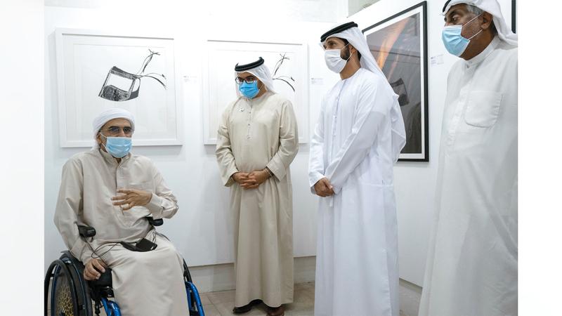 المعرض افتتح بحضور عدد من المسؤولين والفنانين.  من المصدر