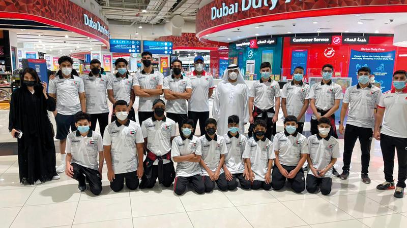 بعثة منتخب الإمارات في خليجي 28 للألعاب المائية.   من المصدر