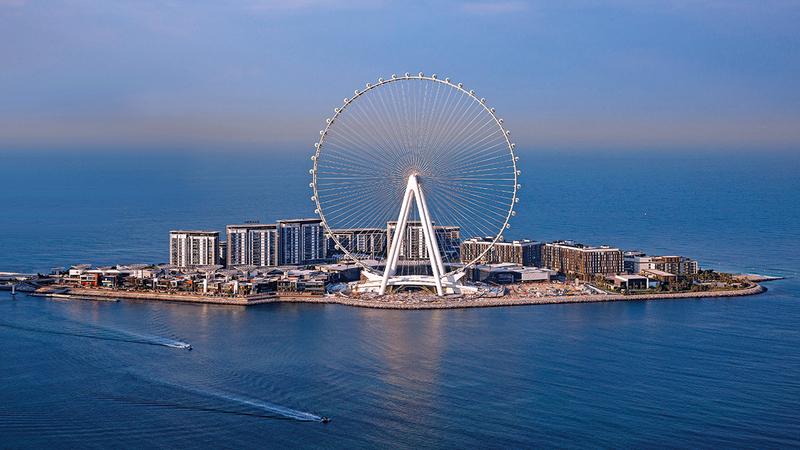«عين دبي» أكبر وأعلى عجلة ترفيهية في العالم.   من المصدر
