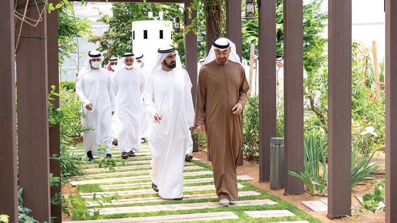 محمد بن راشد ومحمد بن زايد خلال لقائهما في أبوظبي.   من المصدر