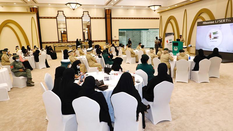 شرطة دبي تحتفي بيوم المرأة الإماراتية بفعاليات متنوعة.  من المصدر