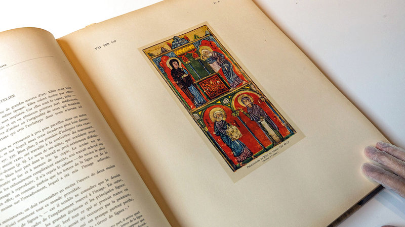 الكتب من أندر وأثمن المطبوعات المتخصصة في تاريخ الفن والعمارة العربية والإسلامية.   من المصدر