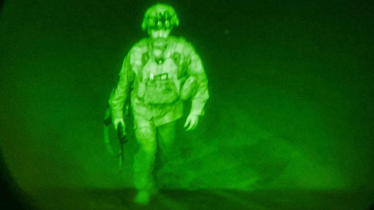 آخر جندي أمريكي يغادر أفغانستان