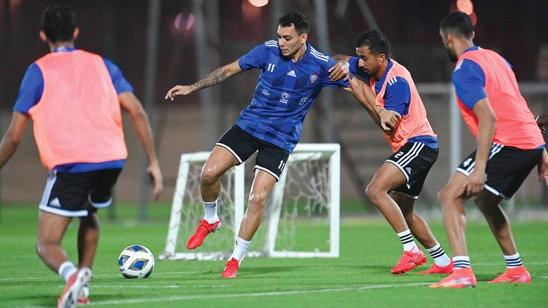 المنتخب يؤدي تدريباته الاعتيادية قبل المباراة.   من المصدر