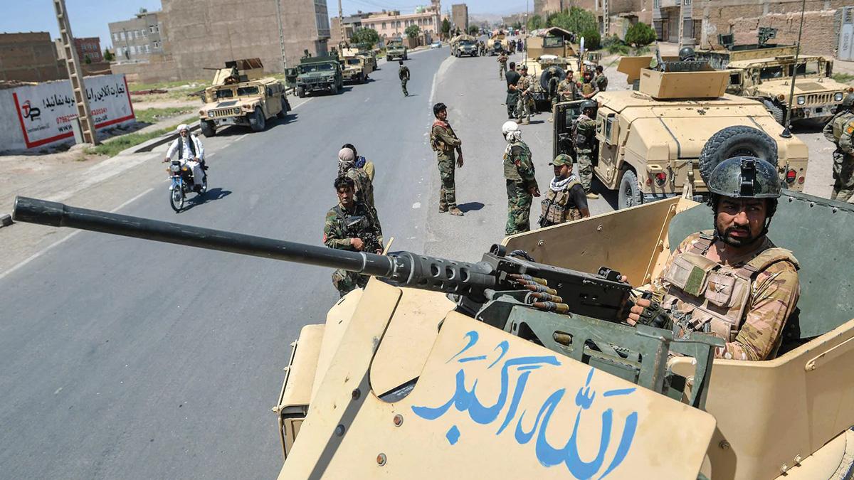 أسلحة الجيش الأفغاني استولت عليها «طالبان» بعد انهيار حكومة كابول. . أرشيفية