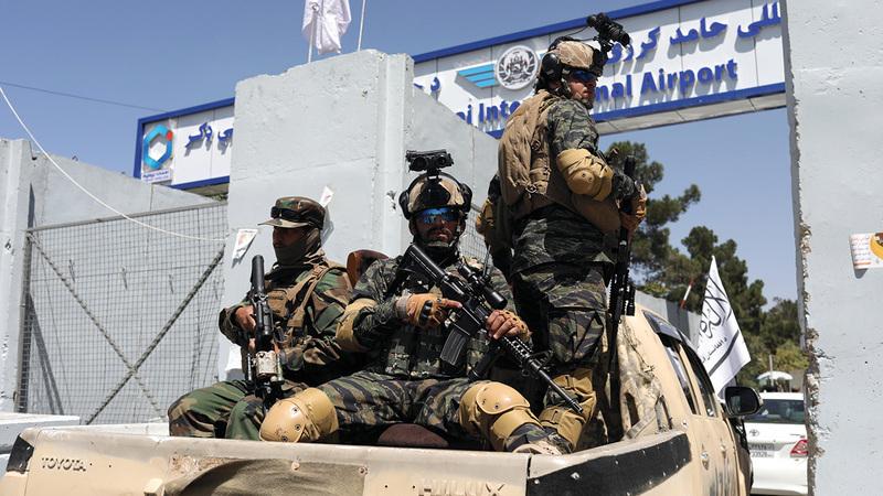 سيطرة «طالبان» على مقاليد الأمور في أفغانستان أثارت قلقاً لكثيرين في آسيا.  رويترز