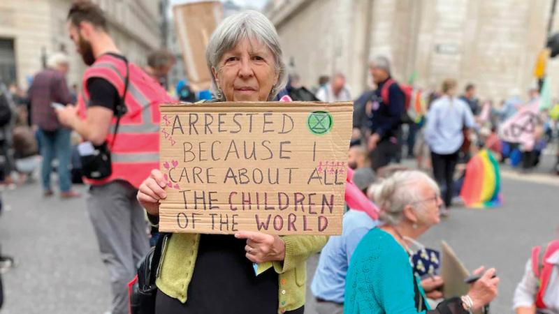 المزيد من كبار السن ينضمون إلى الاحتجاجات المناخية.  أرشيفية