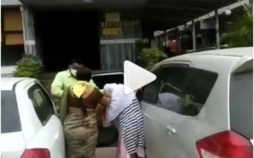 الصورة: زوجة تضبط زوجهاً الخائن وتعتدي على عشيقته.. فيديو