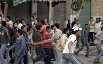 الصورة: خناقة دموية بين عائلتين بقرية مصرية.. والسبب خلافات زوجية