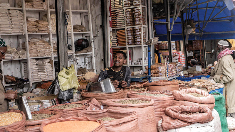 أحد المتاجر الخاصة بالتوابل الإثيوبية خلال العام الإثيوبي الجديد.  أ.ف.ب