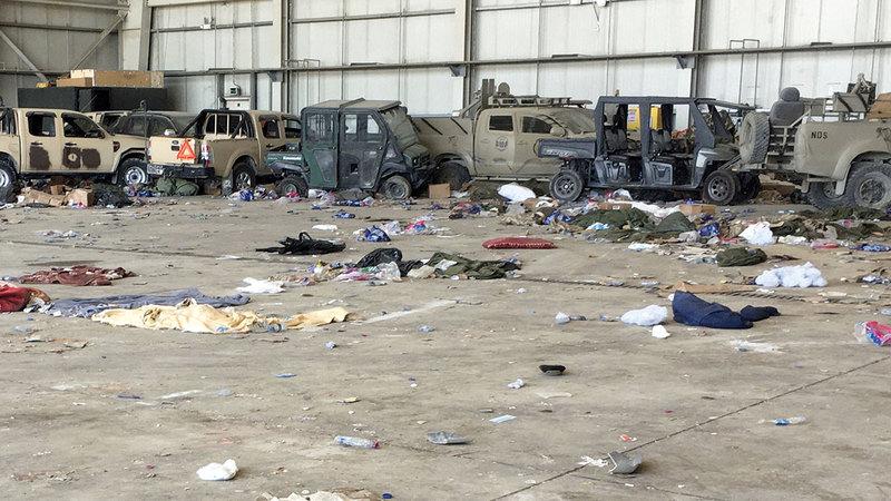 عربات استولت عليها «طالبان» بعد انهيار حكومة كابول.   أ.ب