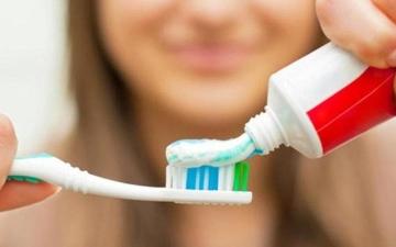 الصورة: وفاة فتاة بعد تنظيف أسنانها بسم الفئران بدلاً من معجون الأسنان