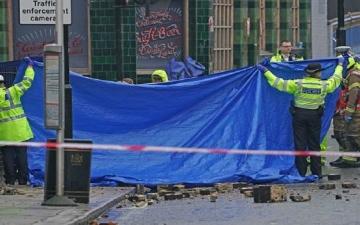 الصورة: حادث مروع في لندن.. سيارة تصطدم بمنزل وتقتل 3 أشخاص