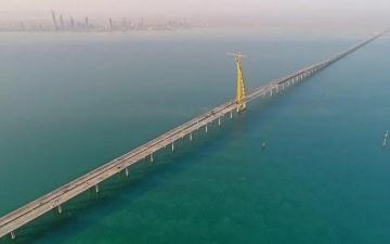الصورة: انتحار فتاة بإلقاء نفسها من «جسر جابر».. وكاميرات المراقبة وثقت الواقعة