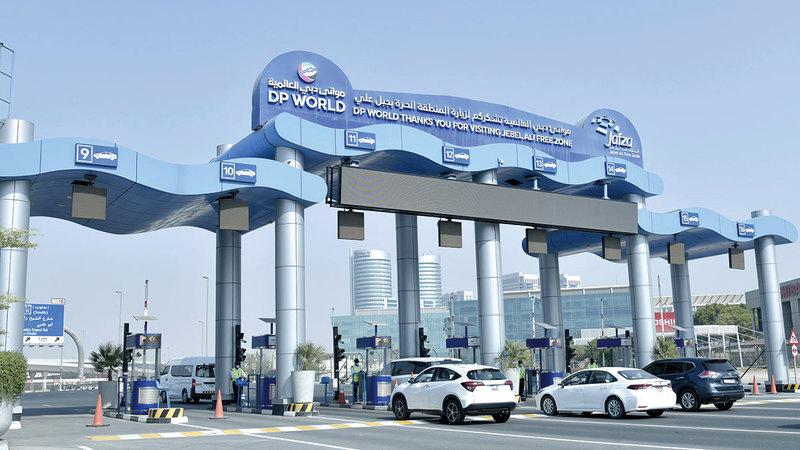 إدارة الأمن تتولى دور المنظم والمسؤول المباشر عن تفعيل المعايير الأمنية في مرافق موانئ دبي العالمية.   من المصدر