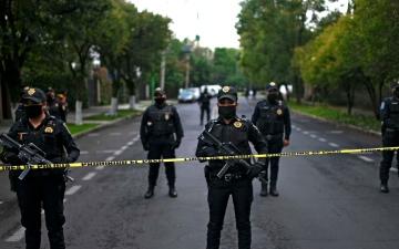 الصورة: العثور على 10 جثث في مبنى سكني في المكسيك