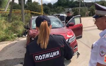 """الصورة: """"سكران"""" بلا رخصة يسرق سيارة والدته ويدخل في مغامرة مع الشرطة.. فيديو"""