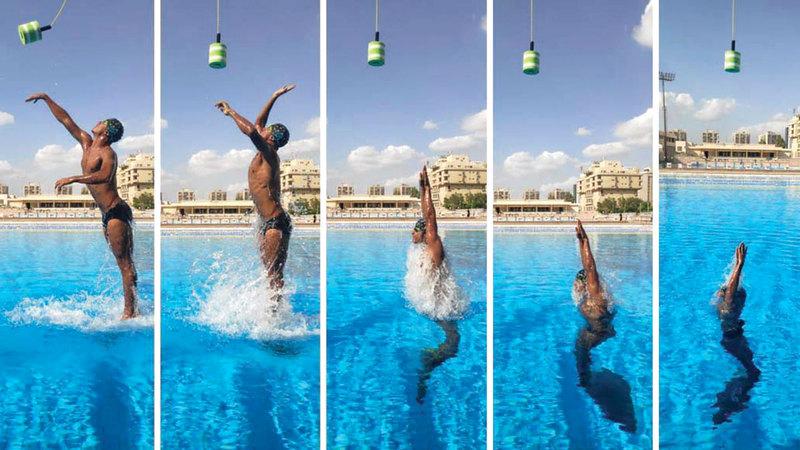 عمر شعبان وإنجاز قياسي بالقفز 2.30 متر فوق سطح الماء باستخدام الزعنفة المفردة.    من المصدر