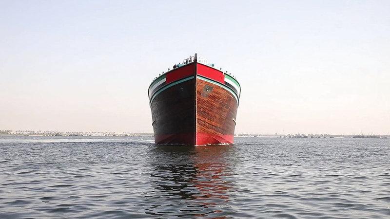 الباخرة الإماراتية التي حصدت لقب أضخم باخرة عربية خشبية في العالم.  من المصدر