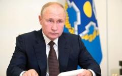 الصورة: بوتين يؤكد إصابة عشرات المسؤولين في دائرته المقربة بـ «كورونا»