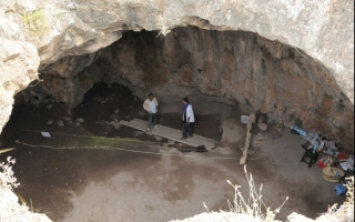 الصورة: علماء يكتشفون «مصنع» ملابس عمره 120 ألف عام في المغرب