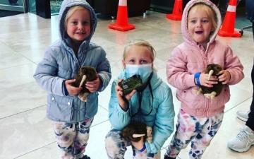 الصورة: جريمة بشعة.. طبيبة تقتل بناتها الثلاث.. أكبرهن 6 سنوات