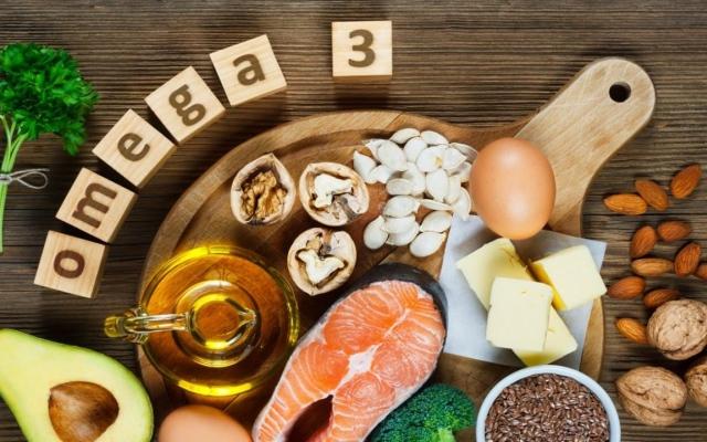 الصورة: هل تتفوق أوميجا 3 على المسكنات؟.. خبراء ينصحون بهذه الأغذية لمحاربة الصداع