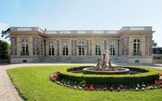 الصورة: بالصور: ميسي يختار السكن في قلعة تاريخية منذ 1899.. شارل ديغول أبرز سكانها