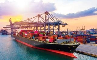 الصورة: 330.7 مليار درهم تجارة الإمارات مع الدول العربية في 2020